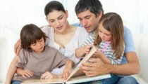 family reading book2